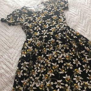 Black Daffidil dress - Lularoe